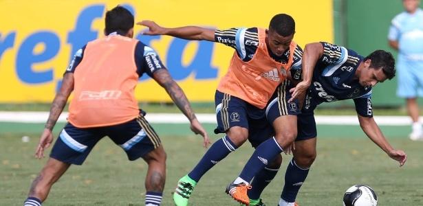 Volante Jean chegou ao Palmeiras no meio da pré-temporada