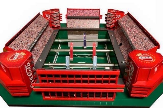 Versão mesa de pebolim do estádio Libertadores de América, do Independiente (ARG)