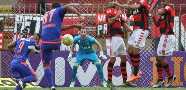 Sport teve dificuldade para superar a marcação do Flamengo