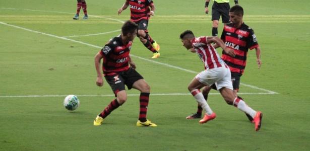 Náutico venceu em casa por 2 a 1 e manteve Atlético-GO com 61 pontos