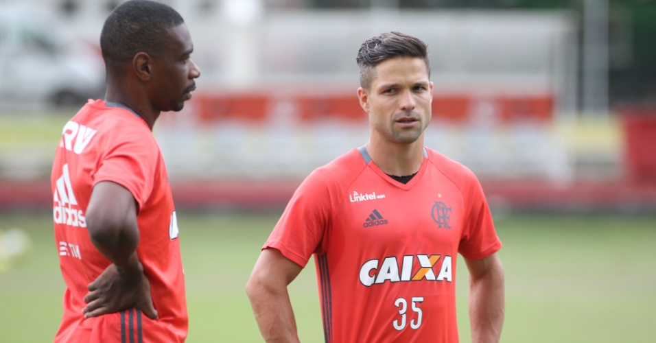 Juan e Diego preocupam o Flamengo por diferentes motivos para a sequência do Campeonato Brasileiro