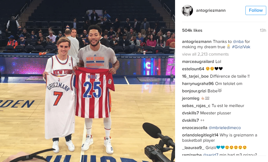 Antoine Griezmann marcou presença na partida do New York Knicks, da NBA