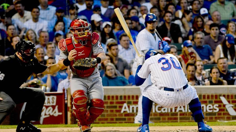 A queda aconteceu no jogo de beisebol entre Chicago Cubs e Cincinnati Reds - Matt Marton-USA TODAY Sports