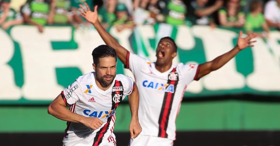 Diego corre para comemorar o gol da vitória do Flamengo sobre a Chapecoense