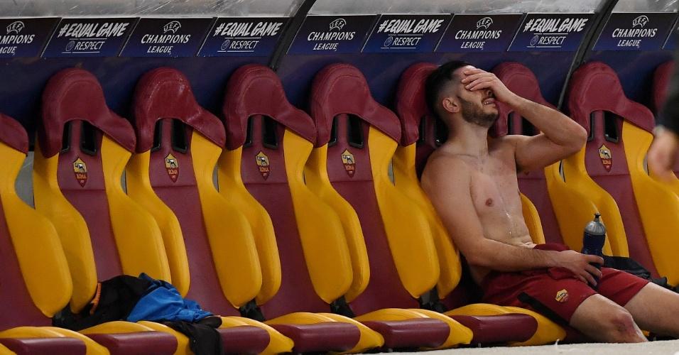 Herói da Roma contra o Barça, Manolas chora no banco de reservas