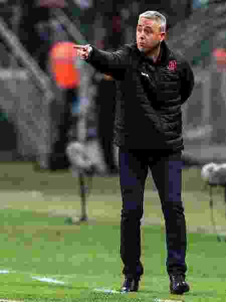Tiago Nunes, técnico do Atlético-PR - Ale Cabral/AGIF