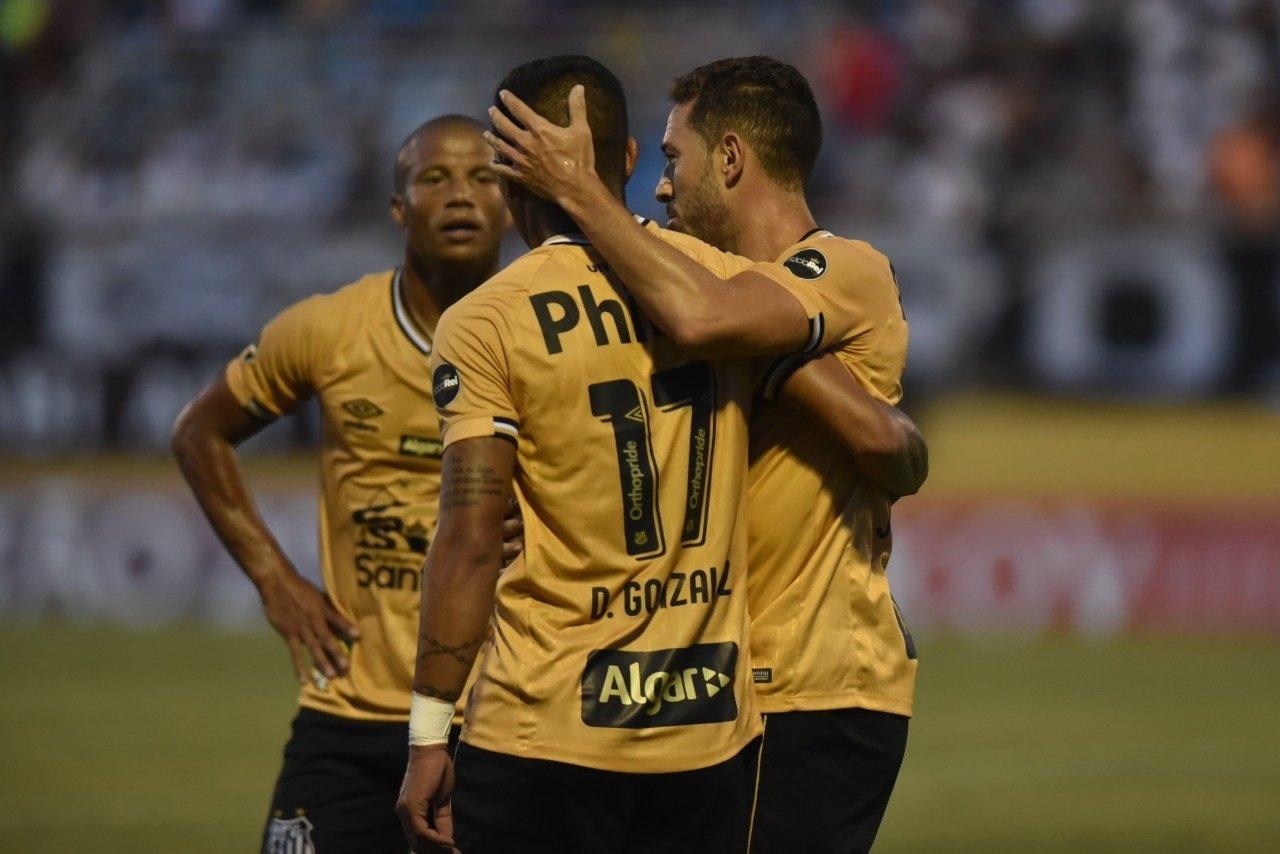 Santos dá show contra o Bragantino e segue 100% no Campeonato Paulista -  Esporte - BOL ce275fb6da7a1