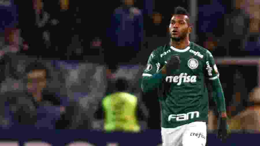 Miguel Borja comemora seu gol pelo Palmeiras contra o Godoy Cruz pela Libertadores - Andres Larrovere / AFP