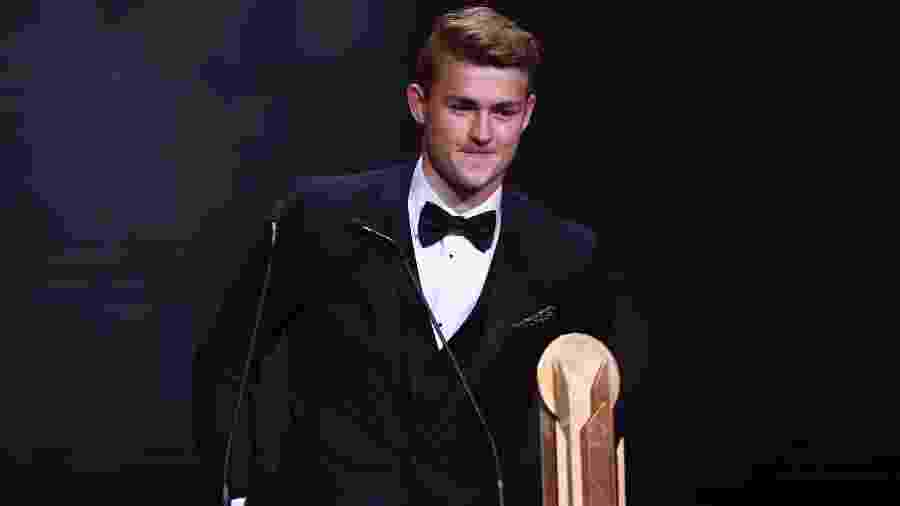 Mathijs de Ligt, da Juventus, foi eleito o melhor jogador sub-21 do mundo pela France Football - FRANCK FIFE / AFP