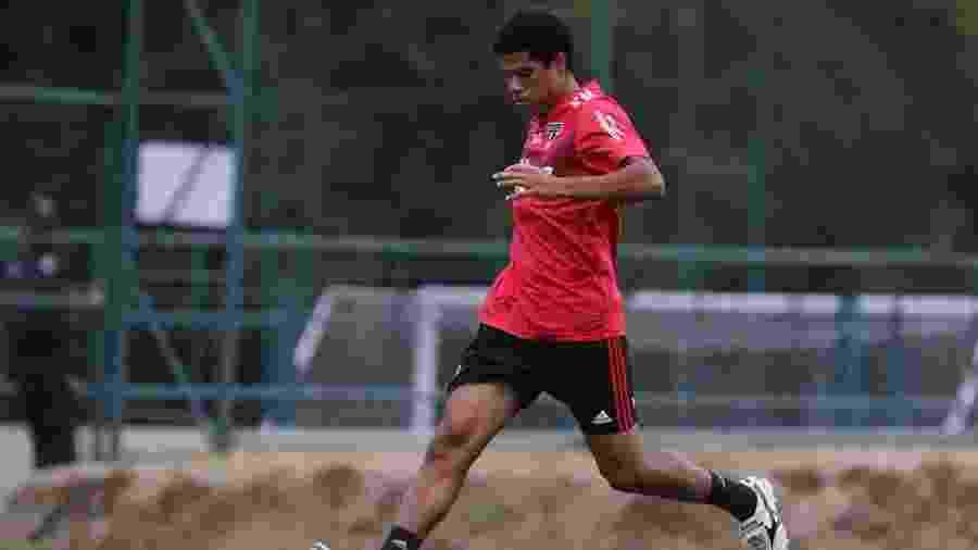 Gabriel Sara, meia do São Paulo, tem cinco jogos como profissional e sofreu lesão em treino na pré-temporada - Rubens Chiri/saopaulofc.net