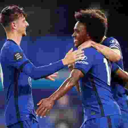 Willian comemora gol do Chelsea em partida contra o Watford - REUTERS / Matthew Childs