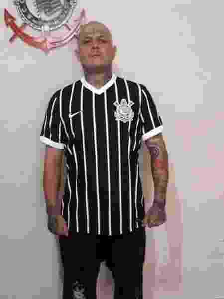 Suposta camisa listrada do Corinthians vaza na internet - Reprodução/Lancepress
