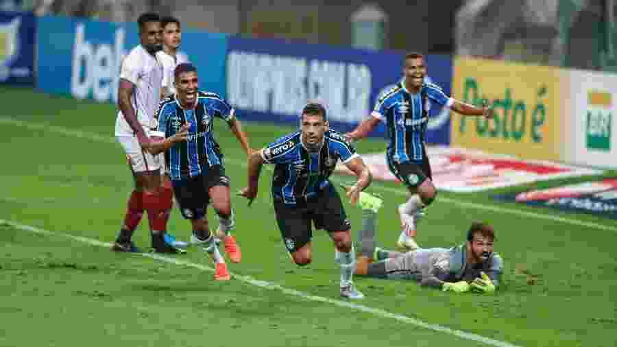 Diego Souza fez o gol da vitória do Grêmio sobre o Fluminense na estreia do Brasileirão de 2020 - Reprodução/Site oficial do Grêmio