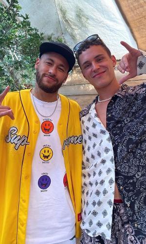 Neymar publicou foto ao lado de Arón Piper