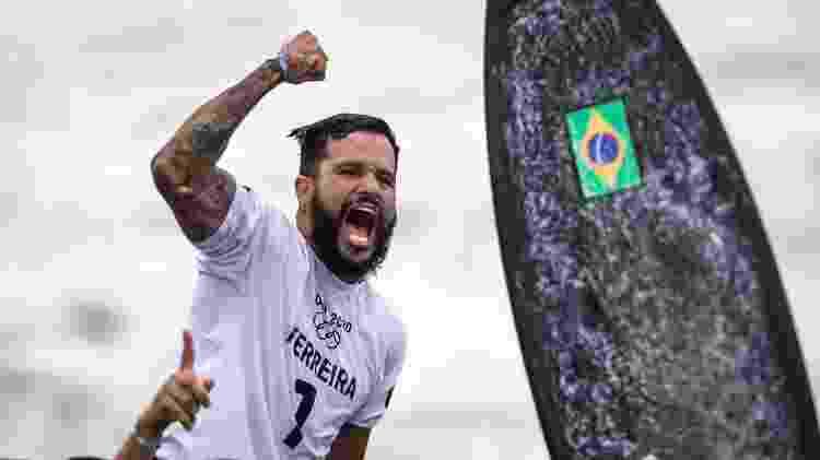 O surfista Ítalo Ferreira conquistou o primeiro ouro do Brasil em Tóquio - Jonne Roriz/Jonne Roriz/COB - Jonne Roriz/Jonne Roriz/COB