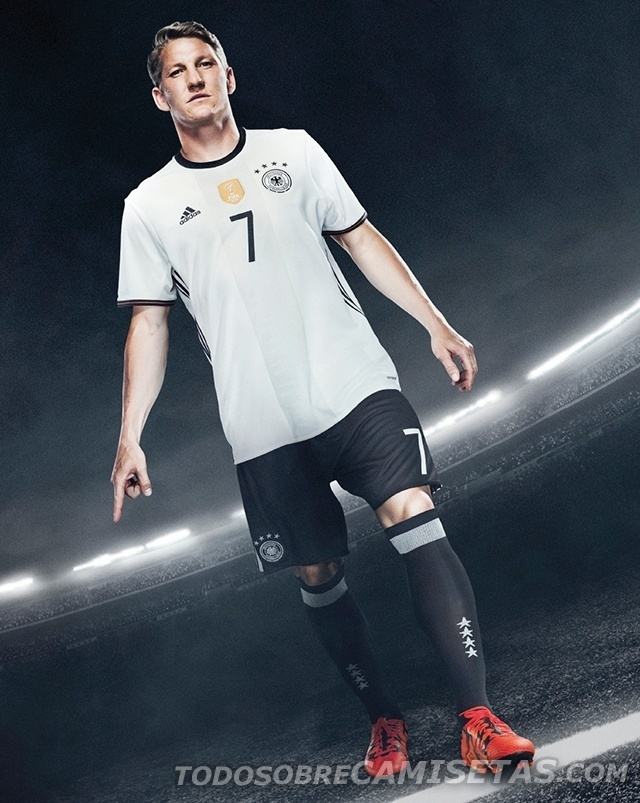GRUPO C: Alemanha (camisa titular, adidas)