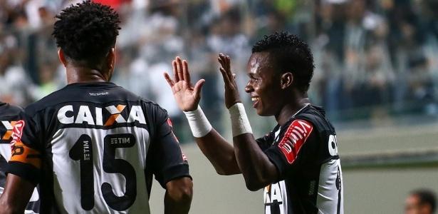 Cazares foi elogiado por Diego Aguirre após bom desempenho contra o Santos