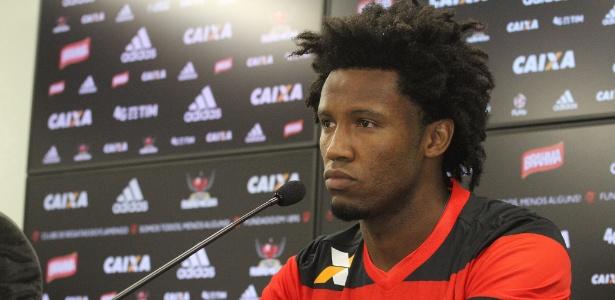 O zagueiro Rafael Vaz foi apresentado como reforço do Flamengo no CT Ninho do Urubu - Gilvan de Souza/ Flamengo