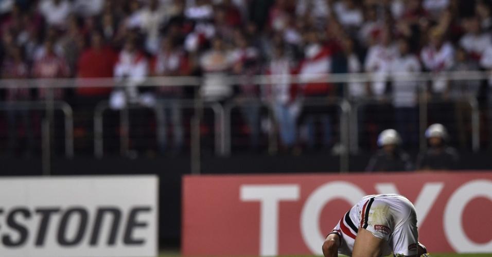 Calleri se frustra em lance de São Paulo x Atletico Nacional