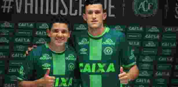 Nathan foi apresentado pela Chapecoense no início desta temporada ao lado de Diego Renan - Chapecoense/Divulgação