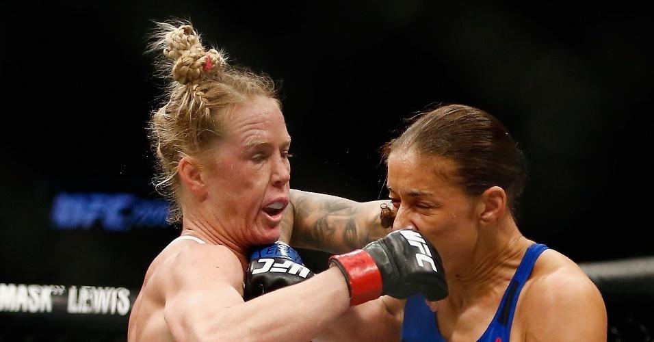 Germaine de Randamie vence Holly Holm e se torna 1ª campeã peso pena do UFC