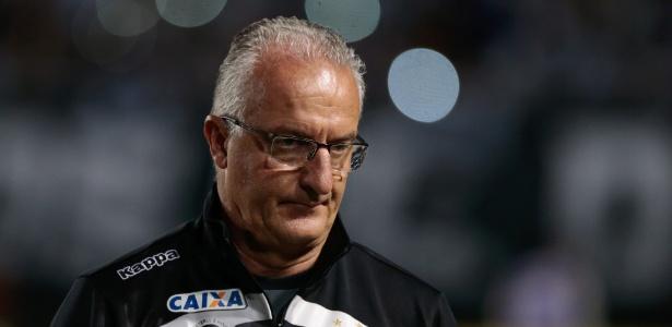 Dorival Júnior está sem equipe desde quando foi demitido pelo Santos