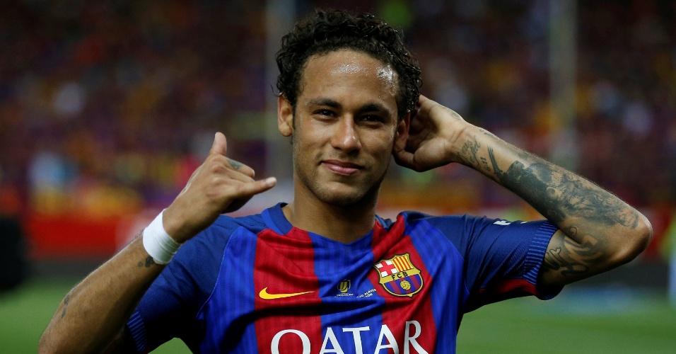 Neymar comemora título da Copa do Rei com o Barça