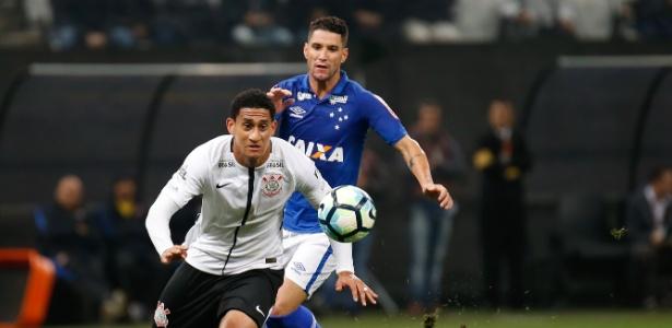 Cruzeiro admite título distante, mas trabalhará passo a passo para subir na tabela