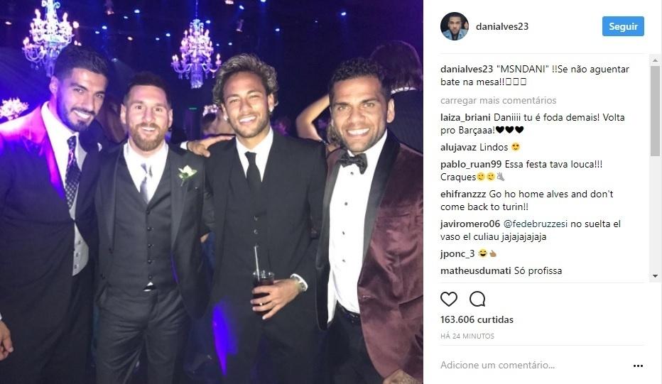 Luis Suárez, Lionel Messi, Neymar e Daniel Alves no casamento do argentino