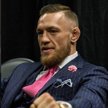 O terno de McGregor que está sendo vendido  - Reprodução/Instagram