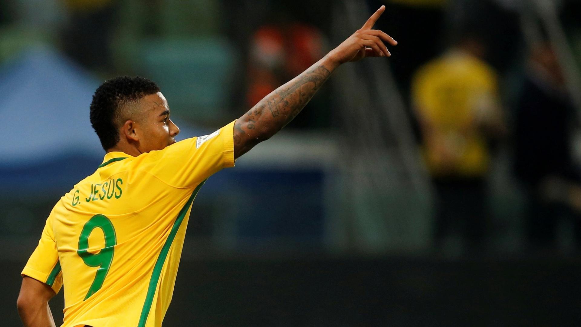 Gabriel Jesus marcou duas vezes contra o Chile