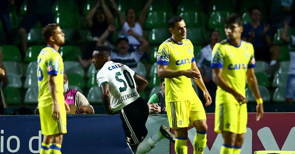 Cleber Reis comemora gol do Coritiba contra o Flamengo pelo Campeonato Brasileiro