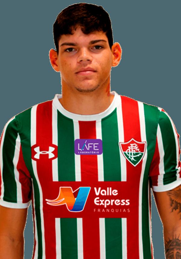 Ayrton Luca, lateral do Fluminense