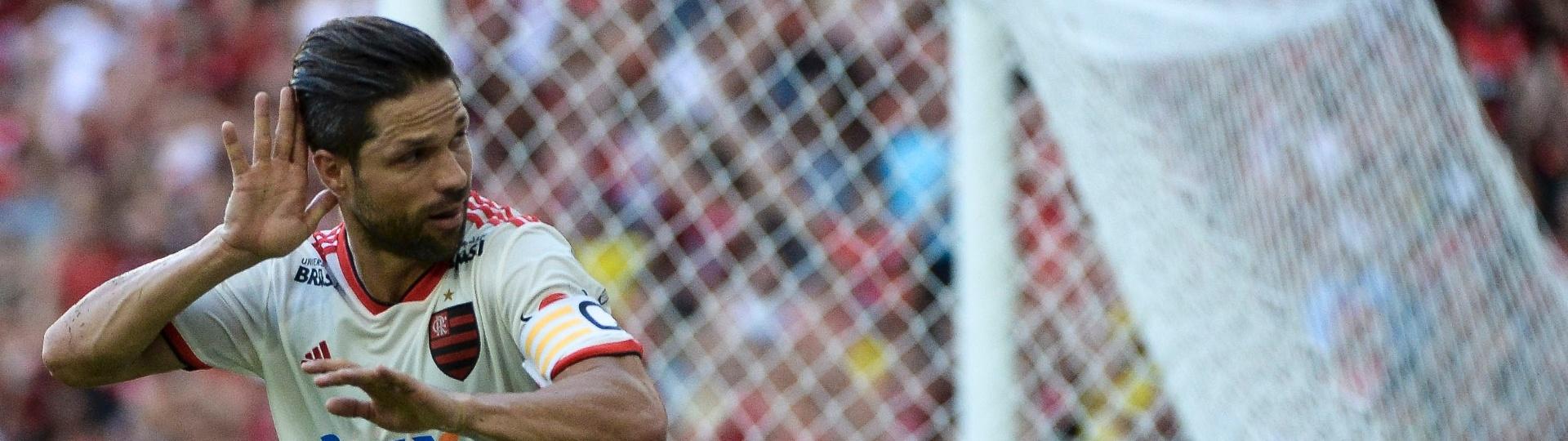 Diego comemora gol do Flamengo contra o Bahia pelo Campeonato Brasileiro