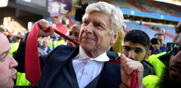 Foram 22 anos à frente do Arsenal e 17 títulos conquistados  - Shaun Botterill/Getty Images