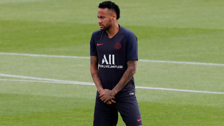 Neymar em treino do Paris Saint-Germain - Philippe Wojazer/Reuters