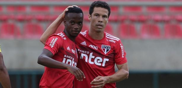 São Paulo vê Helinho mais forte e Diniz empolgado para recuperar garoto