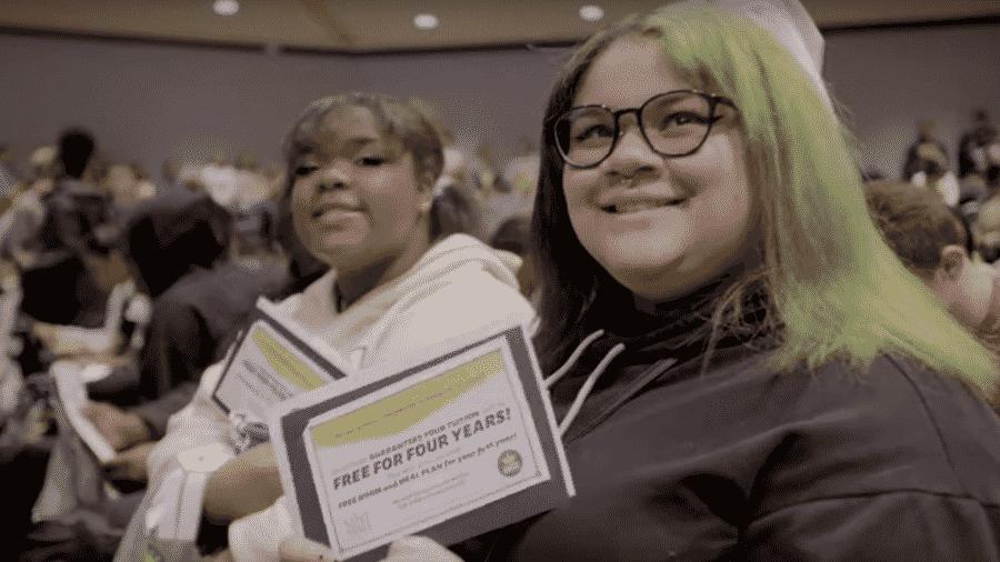Estudantes da I Promise School, escola criada por LeBron James, ganharam bolsa de estudos em universidade - Reprodução/YouTube