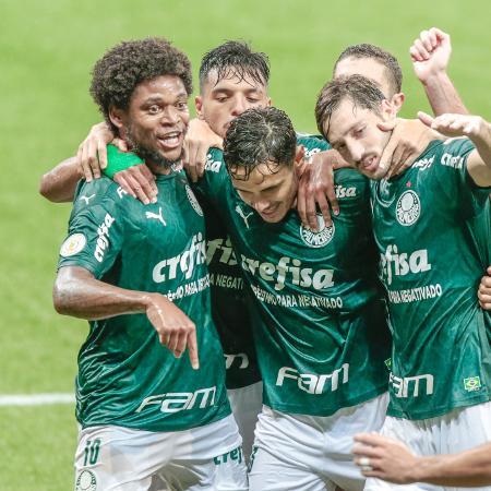 Jogadores do Palmeiras comemoram gol - Marcello Zambrana/AGIF