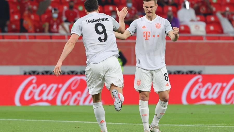 Lewandowski comemora gol do Bayern de Munique no Mundial de Clubes - Karim JAAFAR / AFP