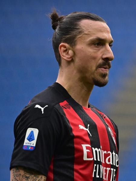 Zlatan Ibrahimovic, durante partida do Milan - MIGUEL MEDINA / AFP