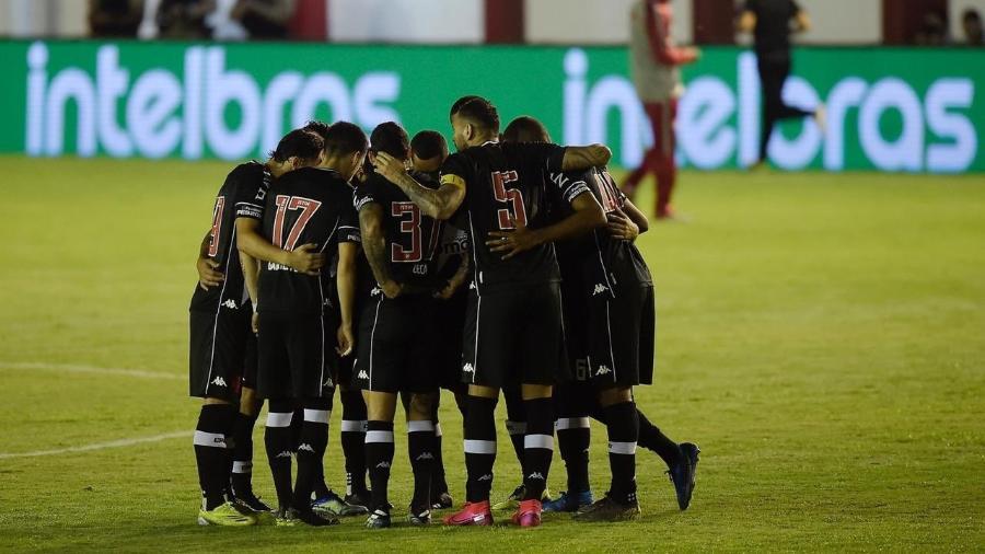 Jogadores do Vasco comemoram a classificação para a próxima fase da Copa do Brasil após vitória sobre o Tombense - Staff Images