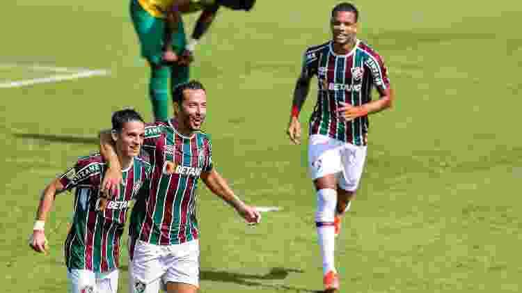Gabriel Teixeira e Nenê comemoram gol do Fluminense contra o Cuiabá - Thiago Ribeiro/AGIF - Thiago Ribeiro/AGIF