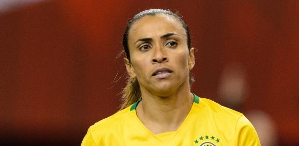 Marta em ação pela seleção brasileira em 2015; meia ficou fora da lista pela 1ª vez