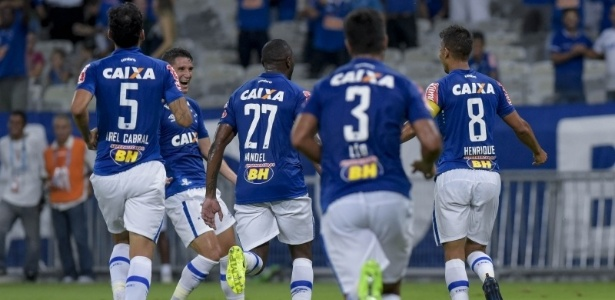 Cruzeiro venceu sexta partida seguida no Mineirão e segue imbatível no estádio em 2017