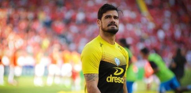 Matheus, 30 anos, foi formado pelo Grêmio e ganhou Gauchão pelo Novo Hamburgo