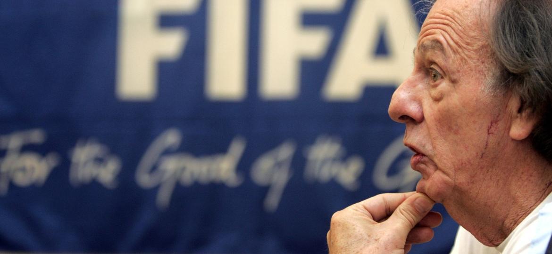 César Luis Menotti, técnico campeão do mundo pela argentina, em foto de 2005 - Claudia Daut/Reuters