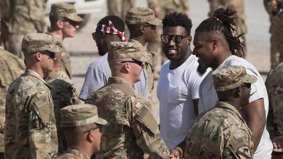 Delanie Walker em visita ao exército americano posicionado no Oriente Médio - Instagram/Reprodução