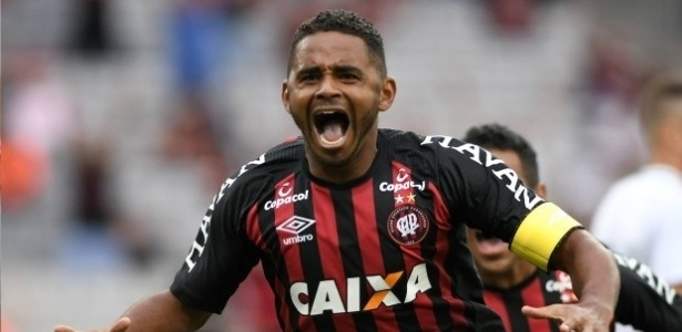 Deivid foi revelado nas categorias de base do Atlético-PR