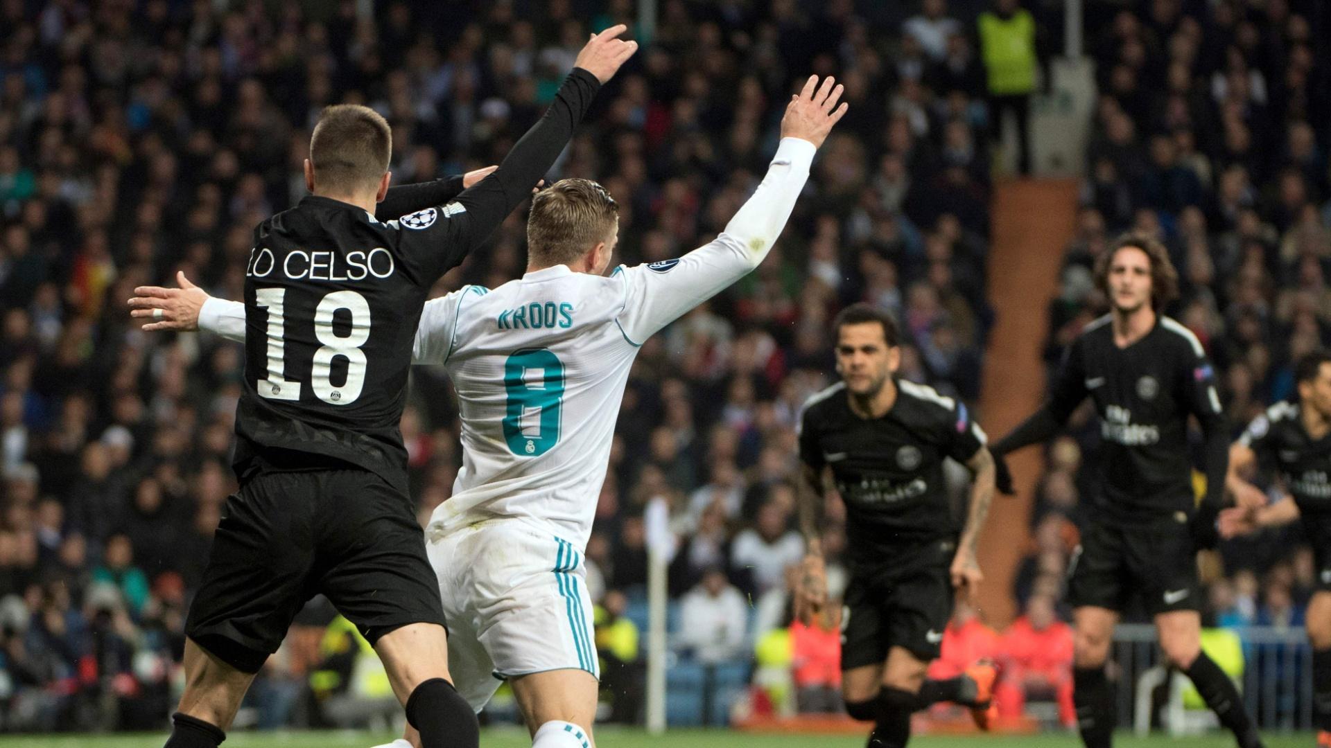 Lo Celso comete pênalti em Kroos na partida entre Real Madrid e PSG